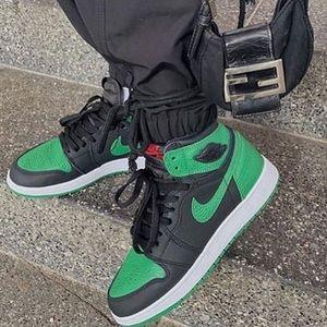Pine Green Jordan 1s AUTHENTIC